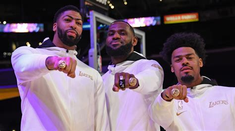 Lakers Championship Rings Pay Tribute to Bryant With Black ...