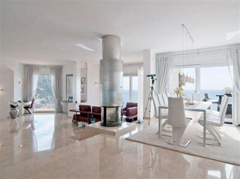Weiße Fliesen Wohnzimmer by Marmor Wohnzimmer Fliesen Mehr