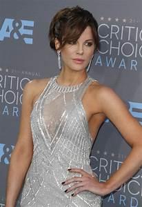 Kate Beckinsales Long Bangs At 2016 Critics39 Choice