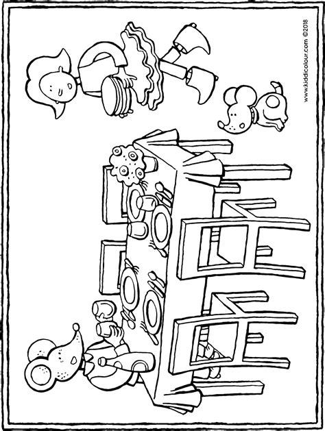 Gedekte Tafel Kleurplaat by En Lowie Dekken De Tafel Kiddicolour