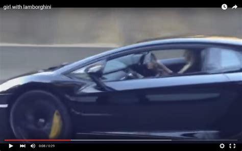 Ragazze Al Volante Ragazza Al Volante Di Una Lamborghini Aventador