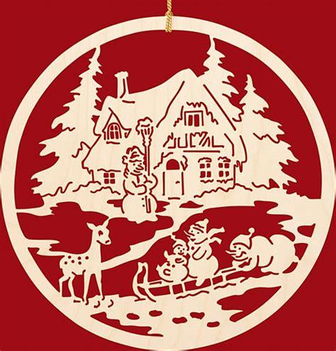 Fensterbilder Weihnachten Erzgebirge by Fensterbild Weihnachten Fam Schneemann Beim Rodeln Aus