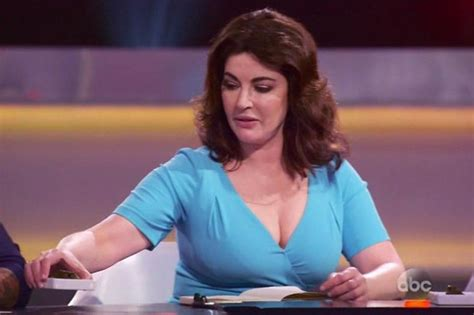 Nigella Lawson Shows Off Cleavage On The Taste Daily Star