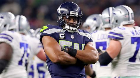 nfl seattle seahawks  bobby wagner agree   year