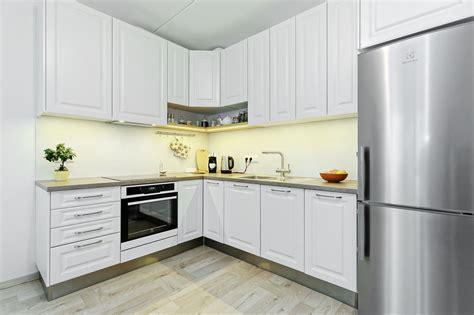 Kā kompaktai virtuvei piešķirt plašuma sajūtu ...