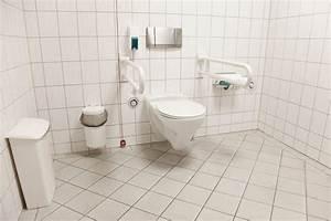 Installer Un Wc : installer des wc pour personnes handicap es ~ Melissatoandfro.com Idées de Décoration