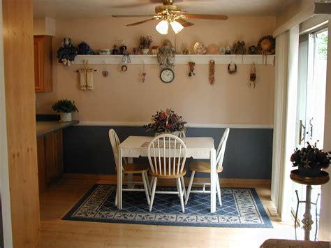 lighting  kitchen   island floor paneling