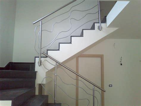 ringhiera scala moderna ringhiera moderna in acciaio inox con disegno astratto