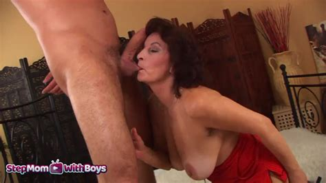 Stepmom With Hot Mature Stepmom Having Sex With Her
