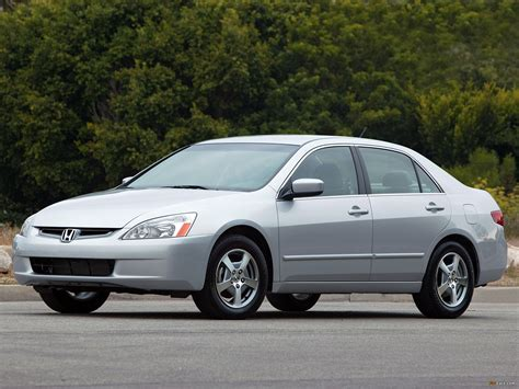 Honda Accord Hybrid US-spec 2005–06 images (2048x1536)