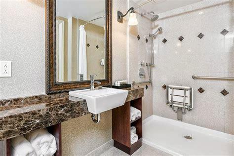 Accessible Bathroom Design by Toronto Bathroom Renovation Contractor Iremodel