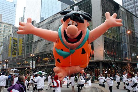 chicago thanksgiving day parade cartoon balloons