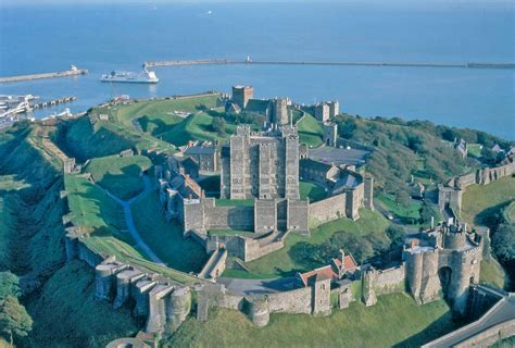 8 Best Coastal Castles and Forts