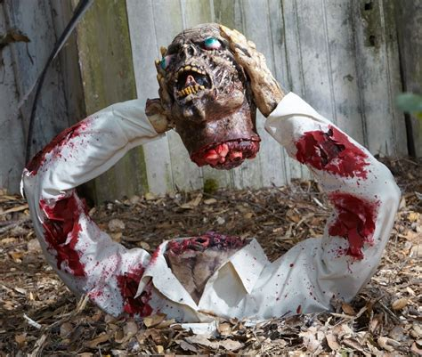 scary decorations 25 creepy halloween decorations ideas magment