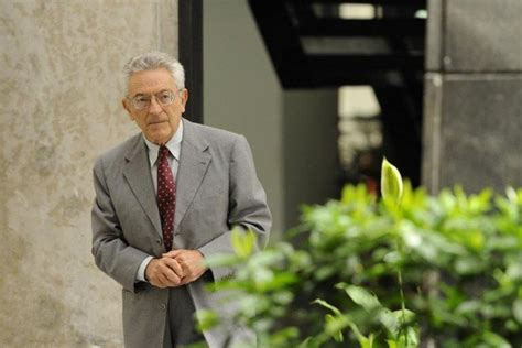Morre o crítico Alfredo Bosi, aos 85 anos, vítima da covid-19
