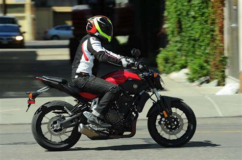 071014-scopion-exo-r2000-helmet-yamaha-fz-07-tr1_4013