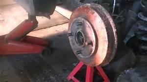 Ford Focus Break : how to repair rear brakes on a 2003 ford focus pt 1 youtube ~ Medecine-chirurgie-esthetiques.com Avis de Voitures