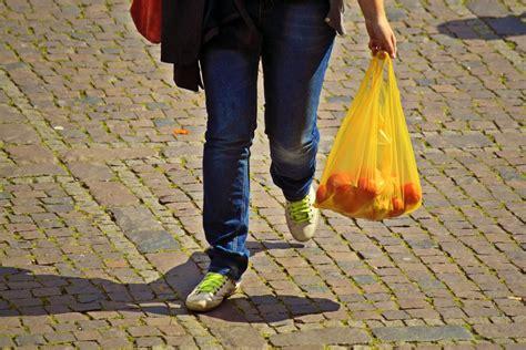 Latvijas iedzīvotājs vidēji gadā patērē aptuveni 190 ...