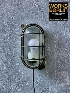 Vintage Lampen Berlin : vintage ex fabrik bunker industrie lampen bei works berlin ~ Markanthonyermac.com Haus und Dekorationen