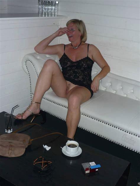 Sexy Mature Has No Panties Under That Dress