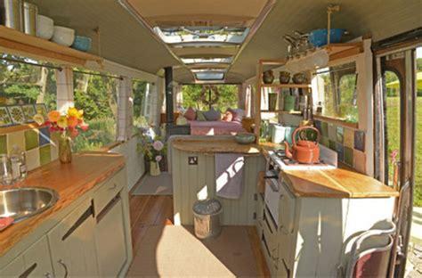 remorque cuisine mobile 6 transformés en habitations roulantes pour partir en