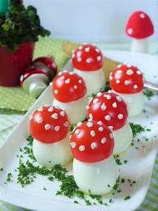 Gefüllte Eier als Fliegenpilze für Silvester kochen