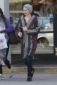 Jennifer Black Friday : jennifer lawrence street style shopping bargains on black friday 2015 in louisville ~ Medecine-chirurgie-esthetiques.com Avis de Voitures