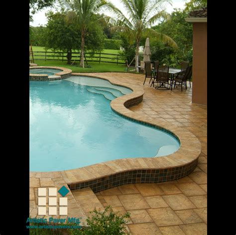 raised pool border   sided bulnose coping pool