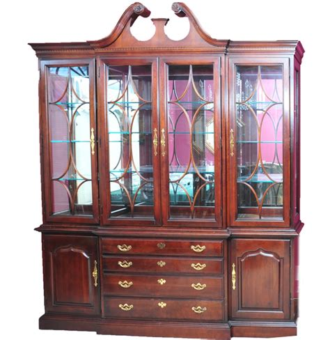 Breakfront Vs China Cabinet by Thomasville Cherry Breakfront China Cabinet Ebth