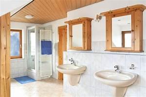 Fugen Streichen Bad : holzdecken streichen oder lasieren ~ Markanthonyermac.com Haus und Dekorationen
