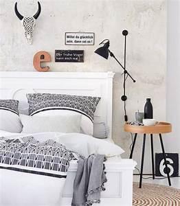 Bett Kissen Deko : nachttisch ab ans bett sch ne modelle und einrichtungstipps living at home ~ Markanthonyermac.com Haus und Dekorationen