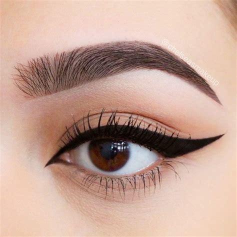 winged eyeliner styles   eye shape
