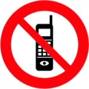 Mobilo telefonu lietot aizliegts - BUS Latvija