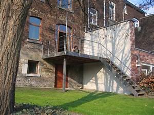 Terrasse Metallique Suspendue : terrasse en acier et bois architecture bois ~ Dallasstarsshop.com Idées de Décoration