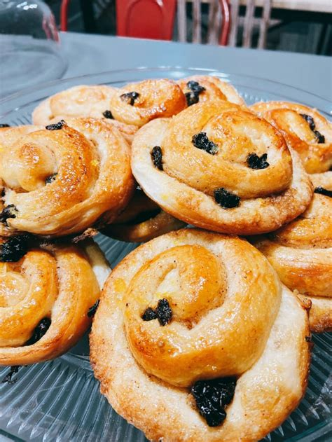 Nestled in the portland foothills, oregon coffee roaster inc. Homemade Spiral Raisin Danish With Orange Marmalade - Delishably - Food and Drink