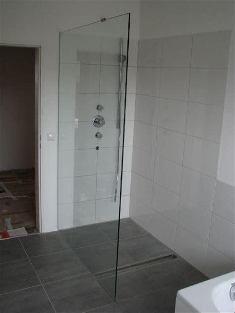 Offene Dusche Glaswand by Glasduschen