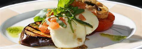 cuisine gourmet mikki 39 s gourmet food wine bar eat out coast