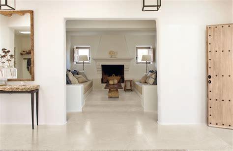 carrelage imitation beton lisse carrelage aspect b 233 ton cir 233 blanc pour sol int 233 rieur en gr 232 s c 233 rame porto venere