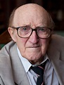 Oliver! actor Ron Moody dies aged 91 | HELLO!