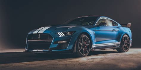 ford mustang shelby gt debuts  detroit