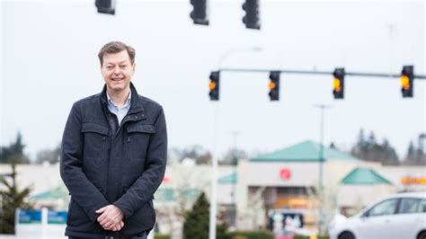 challenge red light camera ticket oregon fines man 500 for using math to challenge red