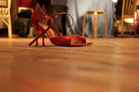 shoes for hardwood floors 10 things to never do to hardwood floors