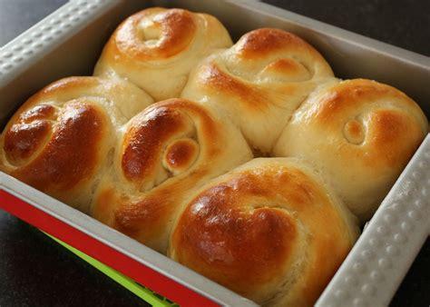 rolls rolls bread rolls recipe maangchi com