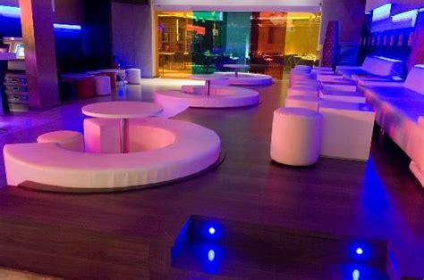 Chill Lounge Möbel by Zona Barra Fotograf 237 A De Un Lounge Club Sushi Bar