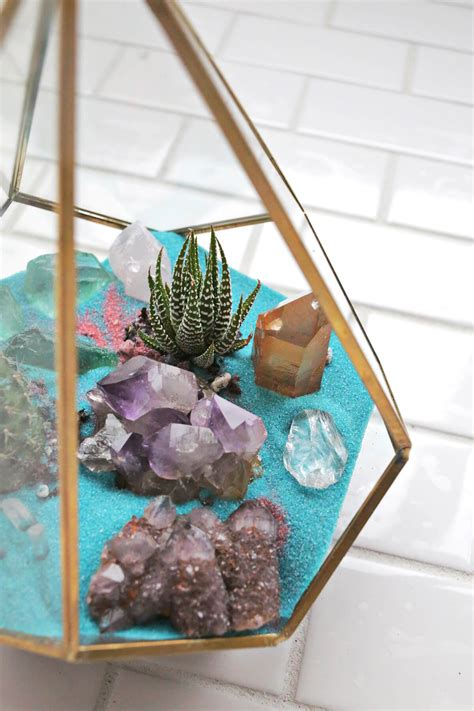 decorating ideas  designs  crystals