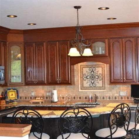 Decorating Ideas For Kitchen Soffits by Best 25 Kitchen Soffit Ideas On Soffit Ideas
