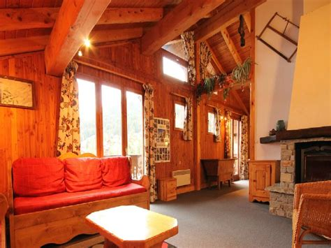 catered chalet la tania chalet tania la tania ski chalet for catered chalet skiing holidays snowboard and summer