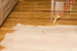 Refinishing engineered wood floors without sanding for Can u refinish engineered hardwood floors