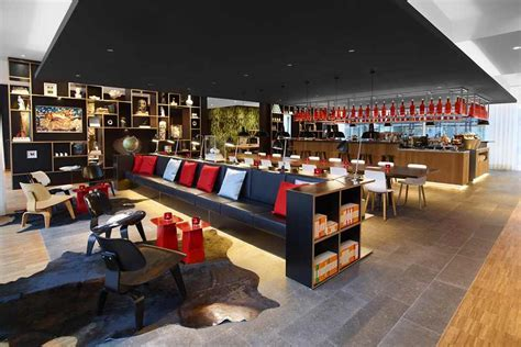 Vivid and Captivating Design Exuded by New citizenM Hotel