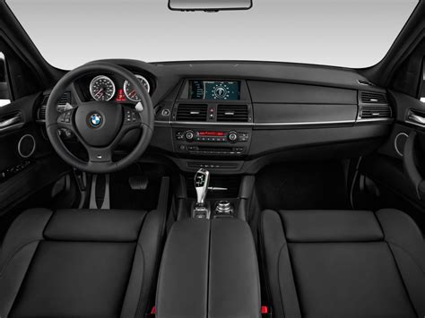 image  bmw   awd  door dashboard size